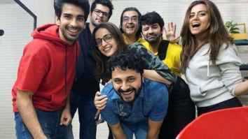 Mohit Sehgal, Sanaya Irani, and Barun Sobti posing goofily with their buddies is every friend circle ever!