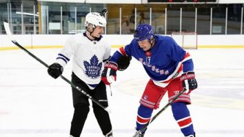 On 'Changes' release day, Justin Bieber teaches Jimmy Fallon how to play ice hockey