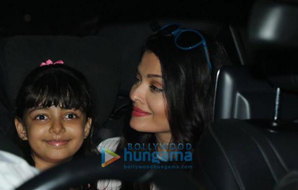 Photos Aishwarya Rai Bachchan and Aaradhya Bachchan spotted at a dance class (1)