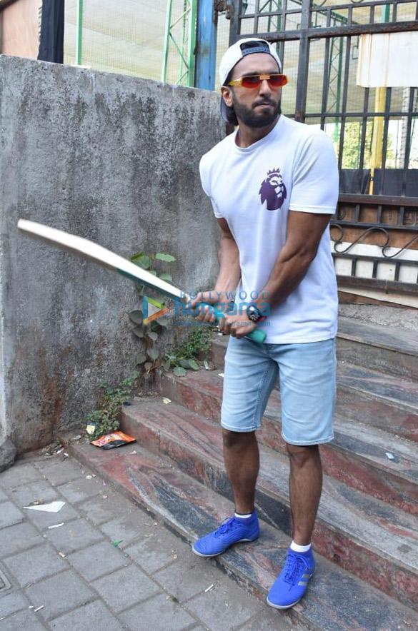 Photos Ranveer Singh snapped promoting his film '83 (4)