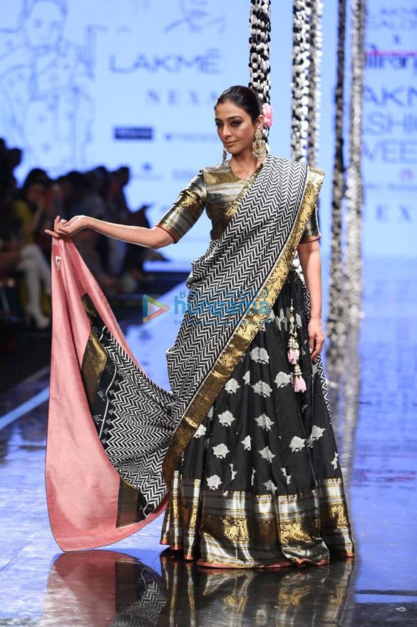 Photos Saiee Manjrekar, Malaika Arora and others snapped at the Lakmé Fashion Week SummerResort 2020 (2)