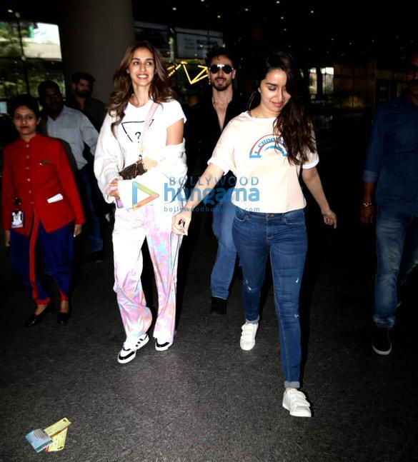 Photos Tiger Shroff, Disha Patani, Shraddha Kapoor and others snapped at the airport (1)