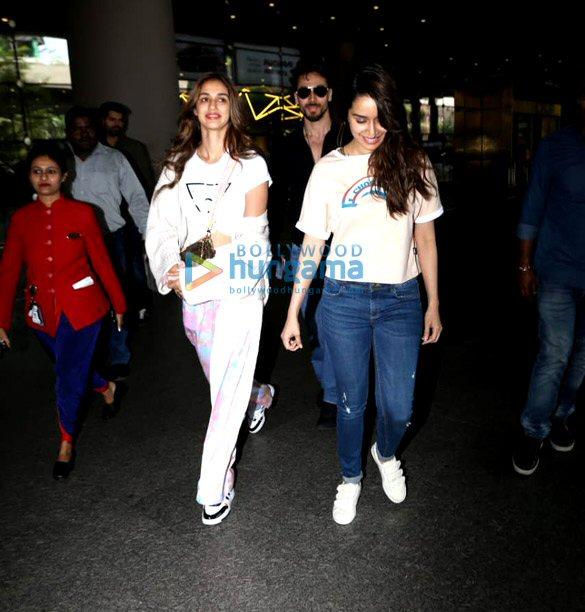 Photos Tiger Shroff, Disha Patani, Shraddha Kapoor and others snapped at the airport (3)