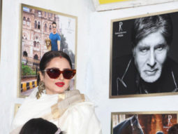 "Rekha on posing next to Amitabh Bachchan's picture – ""Yahan danger zone hai"""