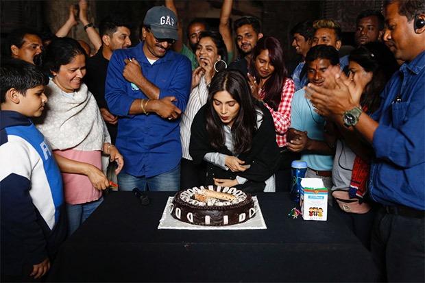 Surprise celebrations for Bhumi Pednekar on the sets of Durgavati