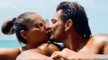 Bipasha Basu and Karan Singh Grover end their grand vacation with a kiss