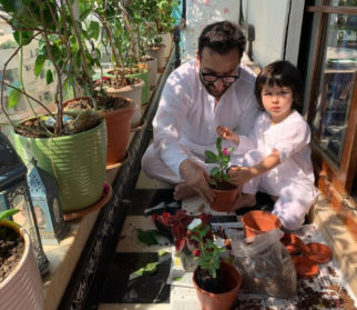 Kareena Kapoor Khan shares photos of Saif Ali Khan and Taimur gardening during Janata curfew