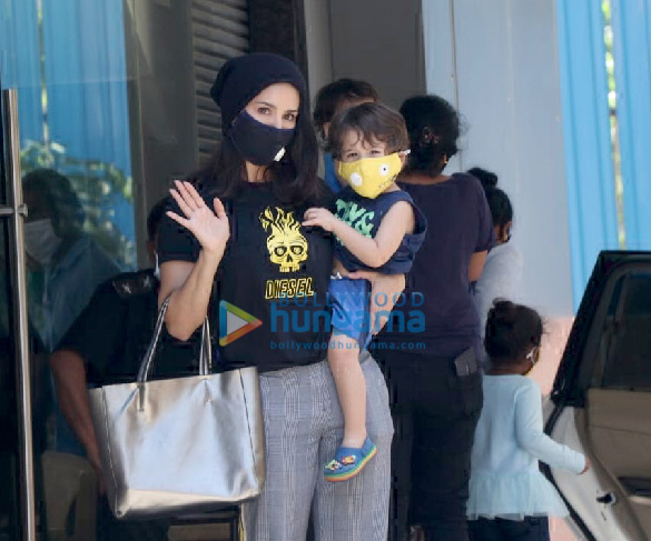 Photos Sunny Leone snapped with her kids at play school in Juhu (1)