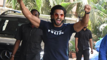 Ranveer Singh arrives late at the Sooryavanshi trailer launch and his reaction is hilarious!