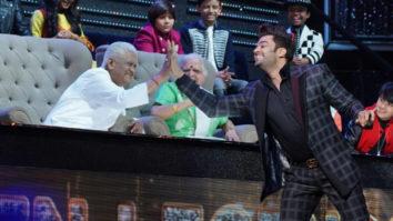 Veteran music composer Pyarelal Ramprasad Sharma plays piano on Maniesh Paul's request on Sa Re Ga Ma Pa