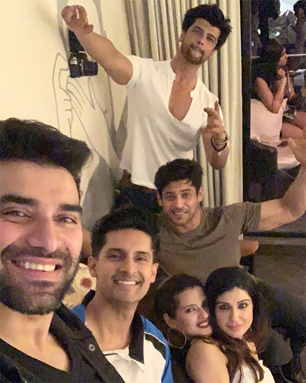 Sidharth Shukla parties the night away at the launch of friend Kushal Tandon's new restaurant, see photos