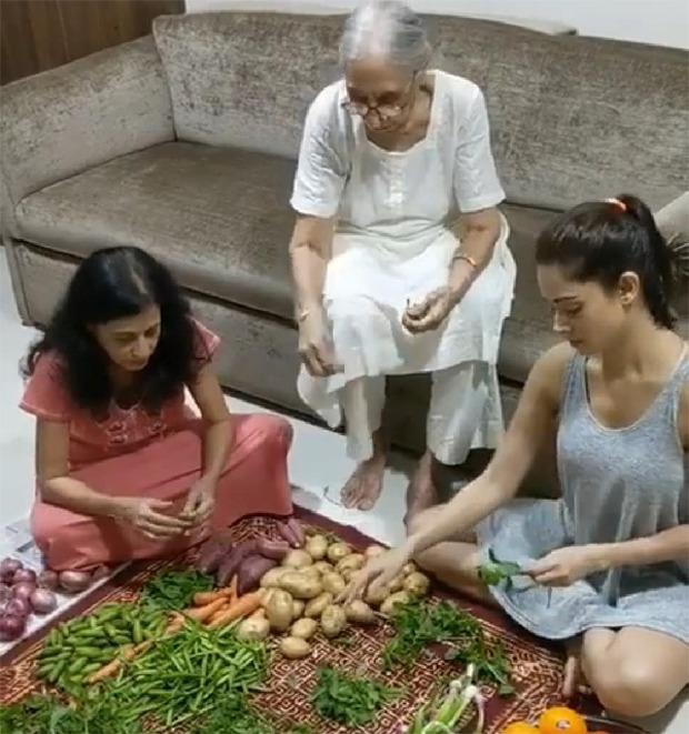 Nushrat Bharucha helps mother and grandmother in cleaning vegetables, says it is Kahaani Ghar Ghar Ki