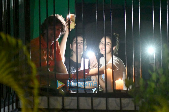 Photos Ananya Panday, Chunky Pandey and Rakul Preet Singh snapped lighting diyas and candles for 9 minutes at 9 pm (5)