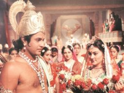 A train would make an unscheduled halt for people to watch Ramayan together at Rampur