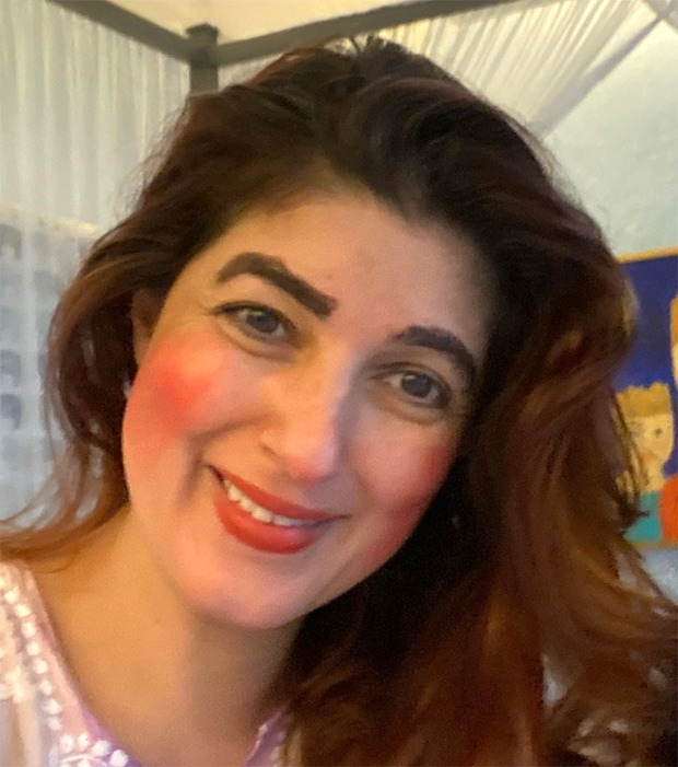 Twinkle Khanna turns muse for daughter Nitara, right here's the result : Bollywood Information 7