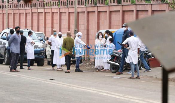 Photos Celebs attend Wajid Khan's funeral (5)
