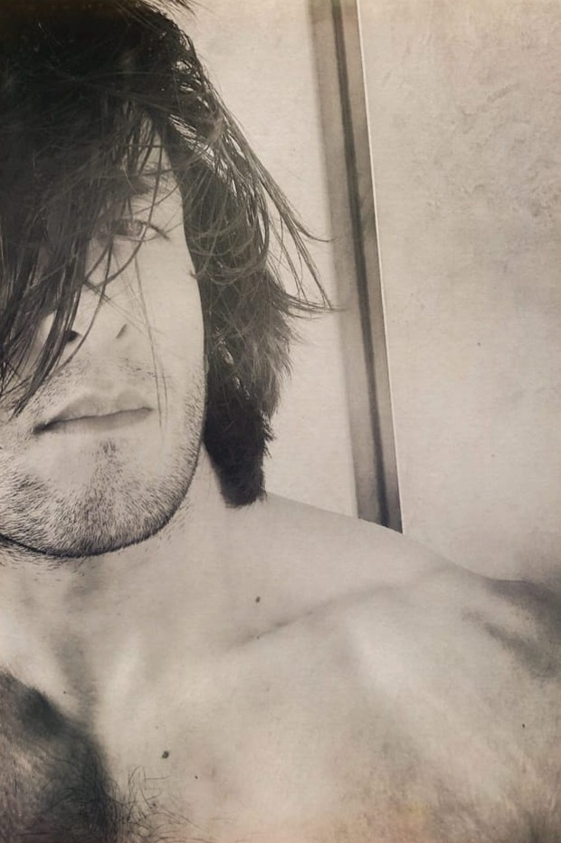 Ranveer Singh sets thirst trap with his series of new pictures
