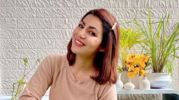 Debina Bonnerjee paints the walls of her balcony white giving it a classy transformation