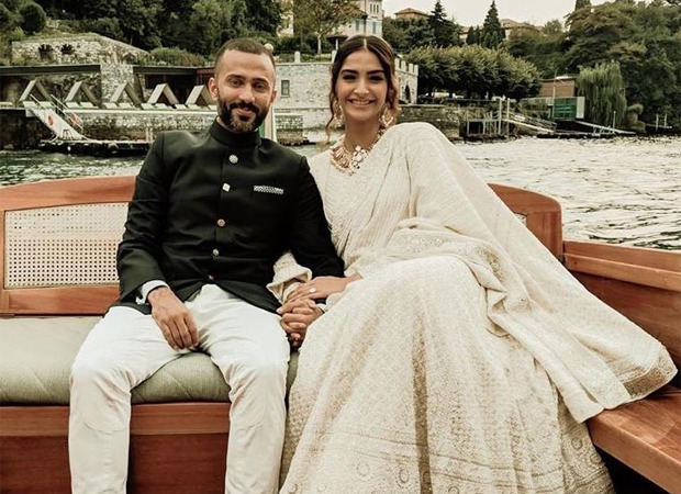 Sonam Kapoor and Anand Ahuja fly off to London amid COVID-19 pandemic
