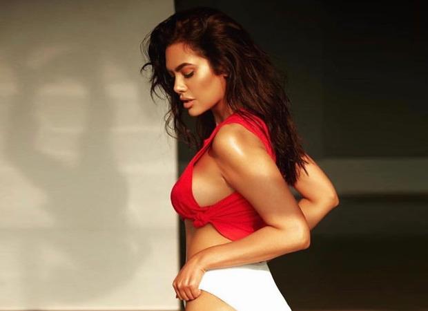 Esha Gupta sets the temperature soaring flaunting her curves in a bikini