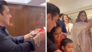 Salman Khan helps nephew during Ganesh aarti, attends Ganpati visarjan