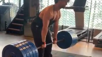 Tiger Shroff is an inspiration as he does a 220 kg deadlift ; watch