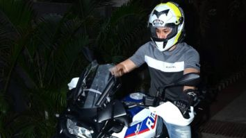 PICTURES Kumal Kemmu purchases a BMW R2150 bike worth over Rs. 26 lakhs