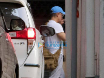 Photos: Aamir Khan spotted in Bandra