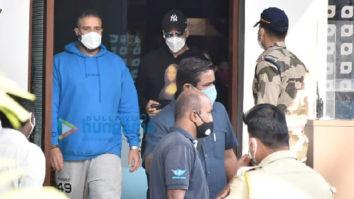 Photos: Akshay Kumar, Jackky Bhagnani and Shabina Khan snapped at the Kalina airport