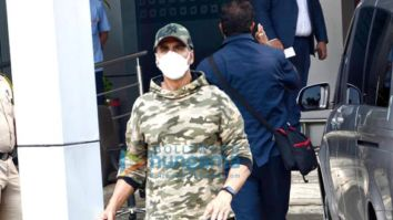 Photos: Akshay Kumar, Kiara Advani, Tusshar Kapoor and Shabina Khan snapped at the Kalina Airport