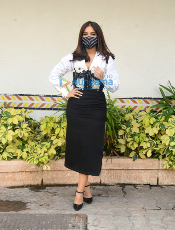 Photos Bhumi Pednekar snapped during Durgamati The Myth promotions at Sun n Sand hotel in Juhu (3)