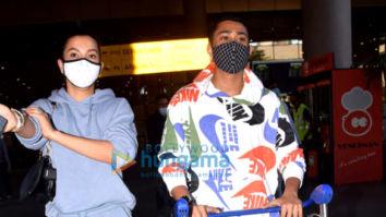 Photos: Gauahar Khan, Sharad Kelkar, Kainaat Arora and others snapped at the airport