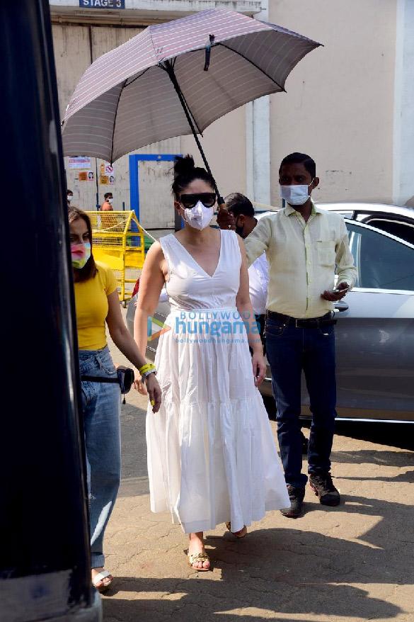 Photos Kareena Kapoor Khan and Tiger Shroff snapped at the suburban studio (2)