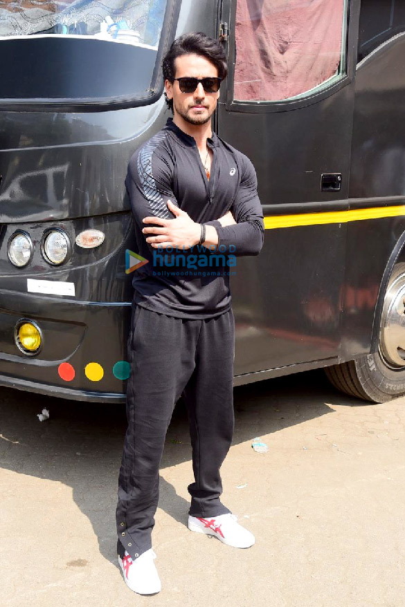 Photos: Tiger Shroff snapped at the suburban studio