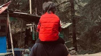 Arjun Kapoor captures Saif Ali Khan giving son Taimur a piggyback ride as they explore Dharamshala