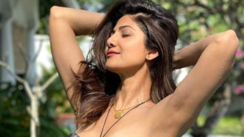 HOT! Shilpa Shetty dons a printed monokini on her vacation, flaunts her perfect curves
