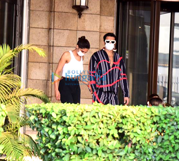 Photos Ranveer Singh and Deepika Padukone snapped at Taj Palace, Colaba (3)