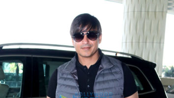 Photos: Vivek Oberoi and Aamir Ali snapped at the airport