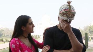 Sara Ali Khan tries to impress Akshay Kumar with her shayari; latter calls it 'ghatiya'