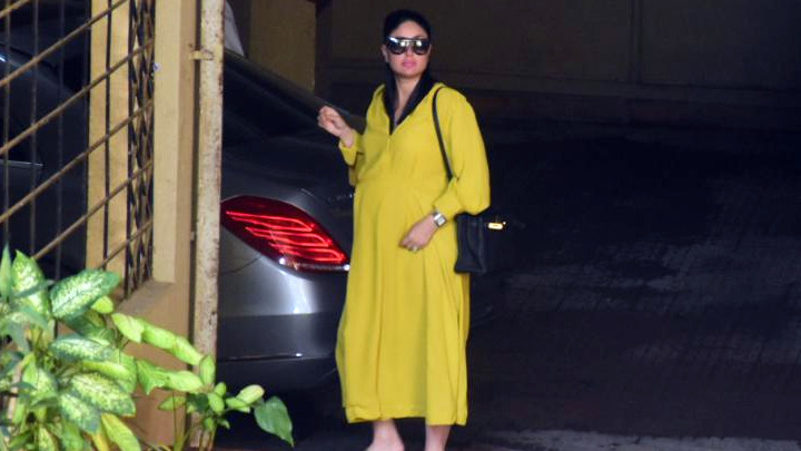 Kareena Kapoor Khan spotted outside her house in Bandra
