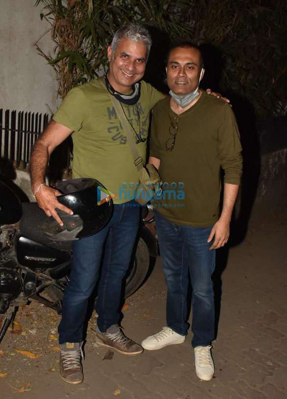 Photos Aamir Khan and Amitabh Bhattacharya snapped at Imraan Khan's house in Bandra (1)