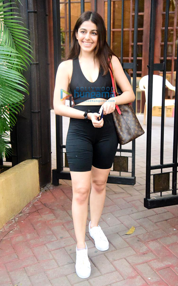 Photos Alaya F snapped in Bandra (3)