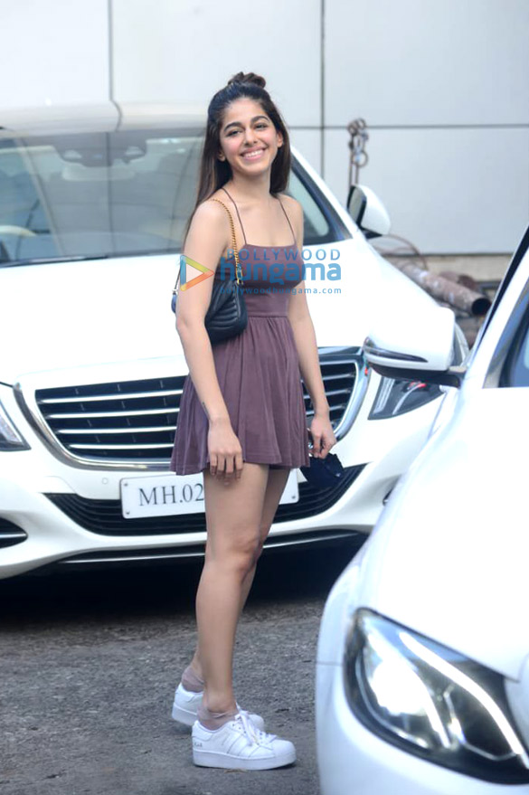 Photos Alaya F spotted at dance class in Andheri (4)