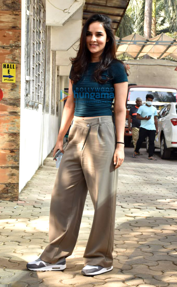 Photos Angira Dhar snapped at Super Star hall in Andheri (2)