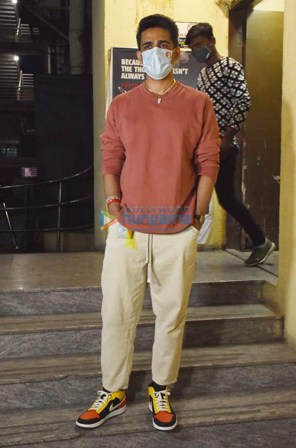 Photos Celebs snapped at Madam Chief Minister screening (4)