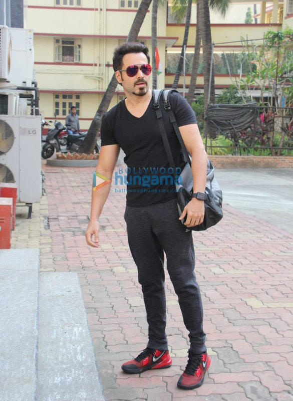 Photos Emraan Hashmi snapped at I Think Fitness in Bandra (4)