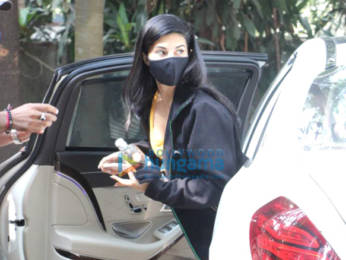 Photos: Jacqueline Fernandez spotted at dance class in Bandra