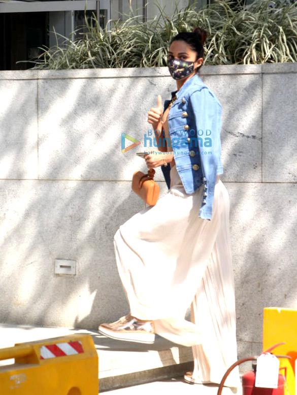 Photos Kiara Advani and Sidharth Malhotra snapped in BKC (2)