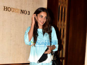 Photos: Kiara Advani spotted at Manish Malhotra's house in Bandra