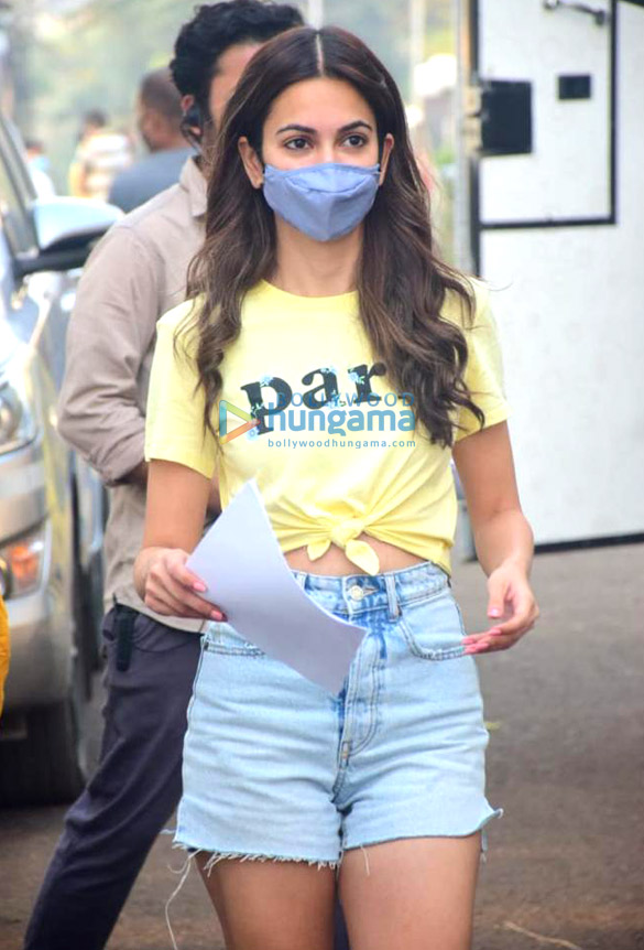 Photos Kriti Kharbanda snapped on the sets of her film 14 Phere (1)